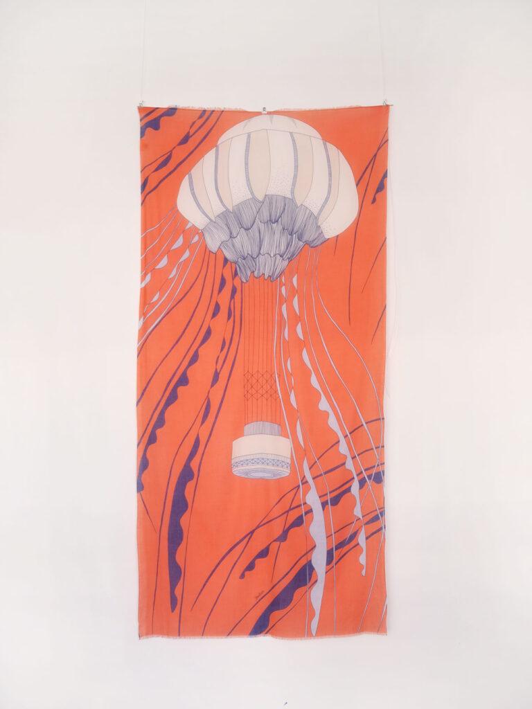 großer weicher Schal aus Biobaumwolle mit grafischem Muster, orange