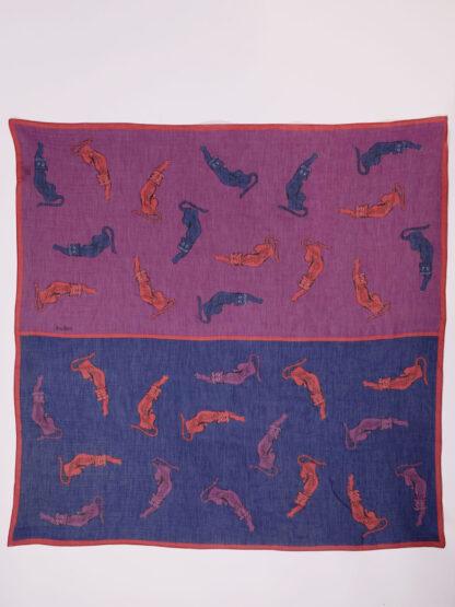 weiches Tuch aus Biobaumwolle und Seide mit grafischem Druck