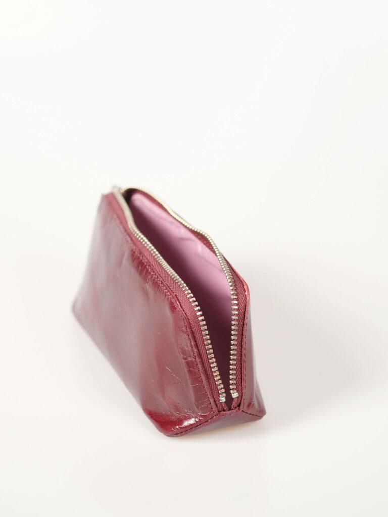 Kleines Etui für Kosmetik, Brille, Stifte; Farbe rubin