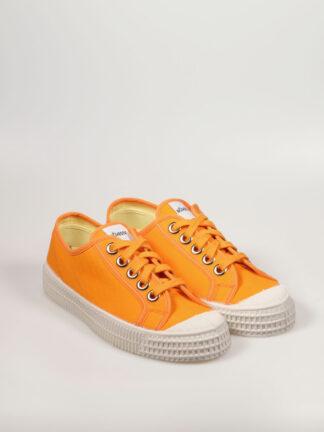 flacher Segeltuchsneaker mit vulkanisierter Naturkautschuksohle, Metallösen und Einlegesohle, Farbe orange