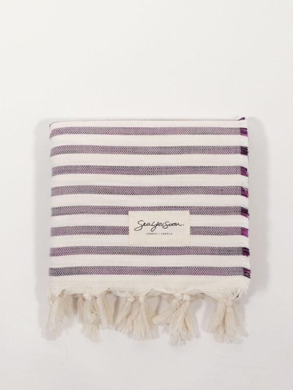 gestreiftes, handgewebtes Strandtuch aus Baumwolle und Tencel, grape/white