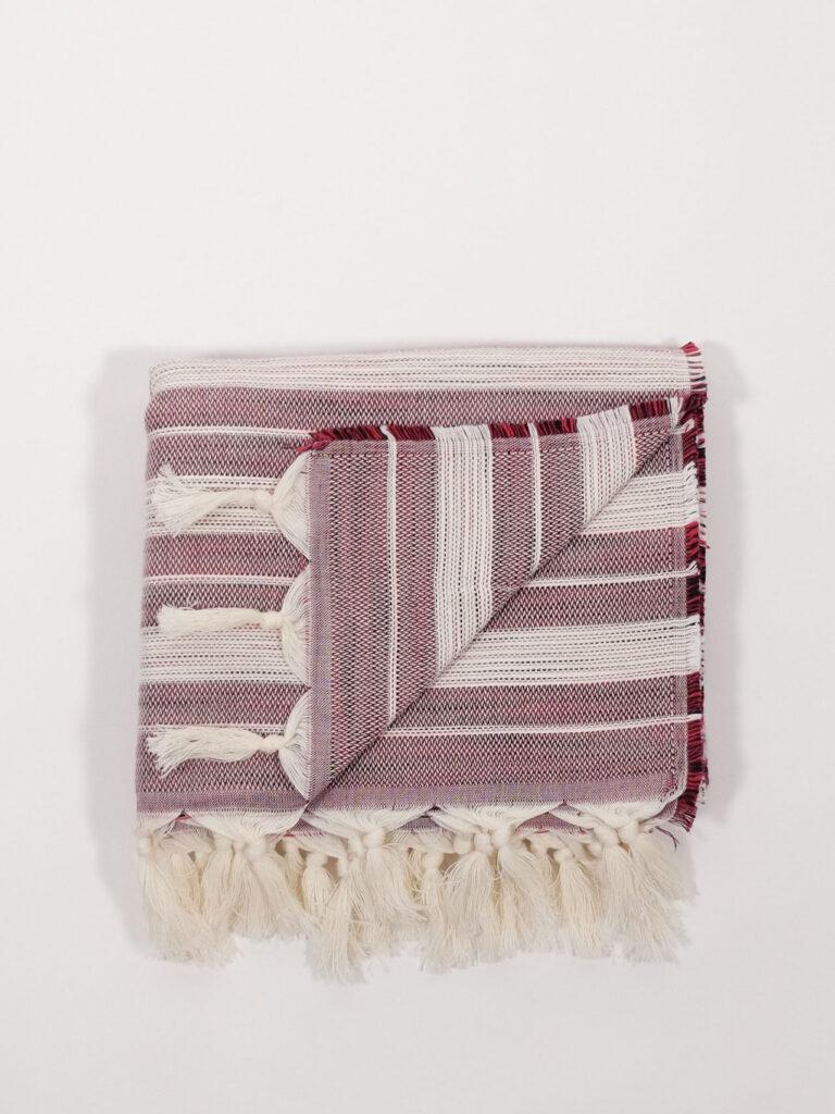 gestreiftes, handgewebtes Strandtuch aus Baumwolle und Tencel, cherry/white