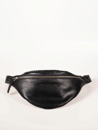 schwarze Gürteltasche aus weichem Kalbsleder in Eidechsenprägung