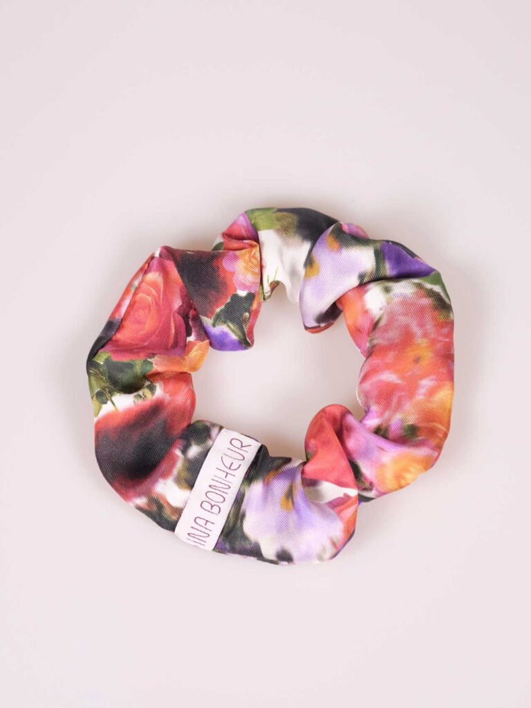 Scrunchie silk twill flowers