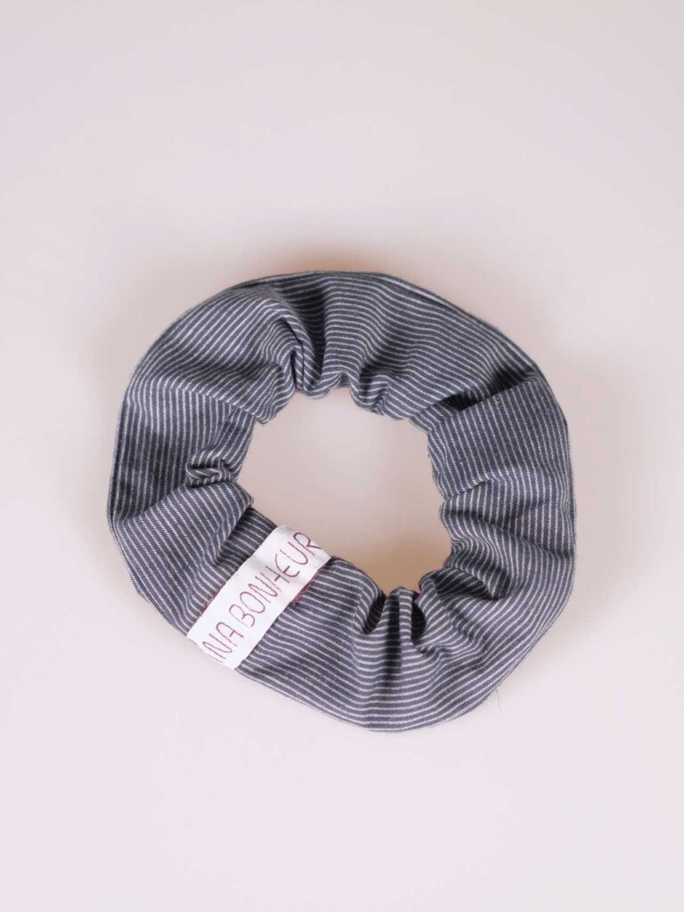 Scrunchie blue with pin stripes