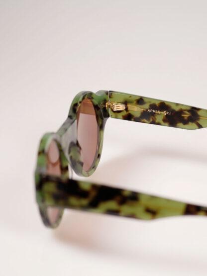 Sonnenbrille aus hochwertigem Acetat, grün