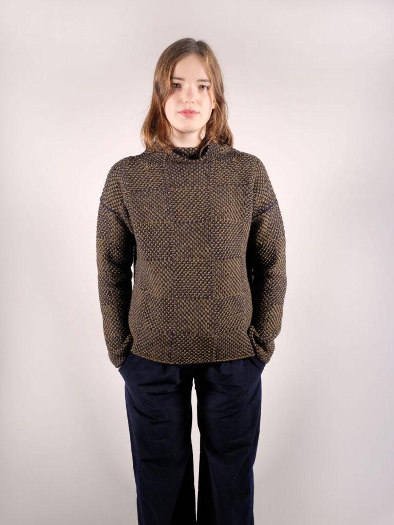 weicher oliv blauer Mock- Neck Pullover , kastenförmig und leicht oversized