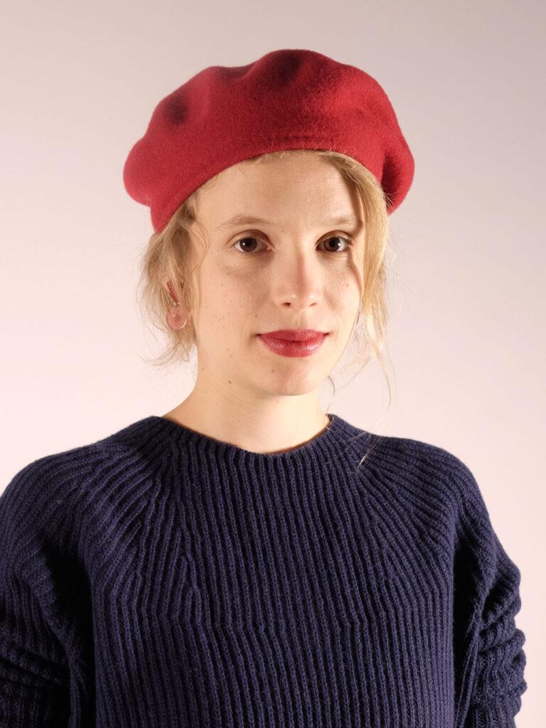 klassische rote Baskenmütze aus Merinowolle