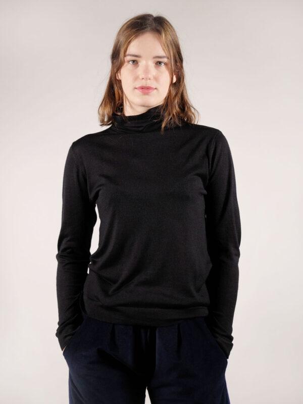 Schwarzer leichter Rollkragenpullover aus Seide und Kaschmir