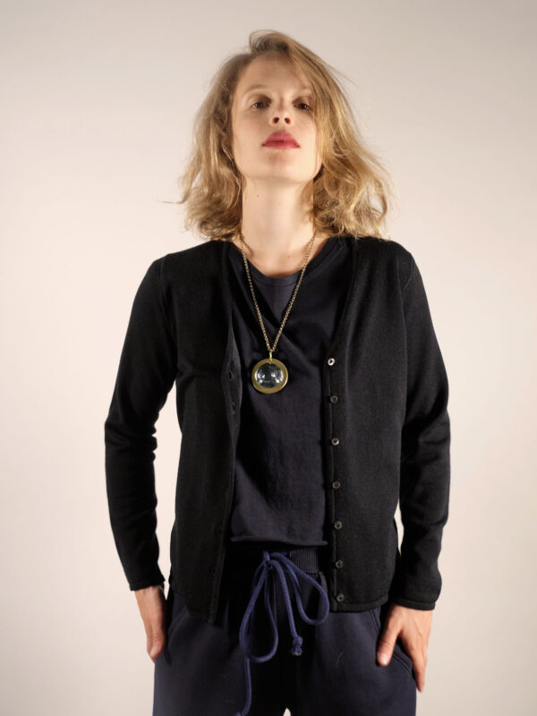 schwarzer glattgestrickter Cardigan aus baumwolle und wolle