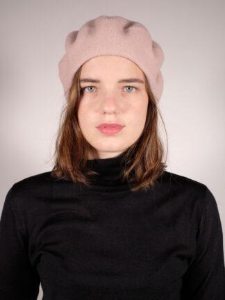 klassische rosafarbene Baskenmütze aus Merinowolle