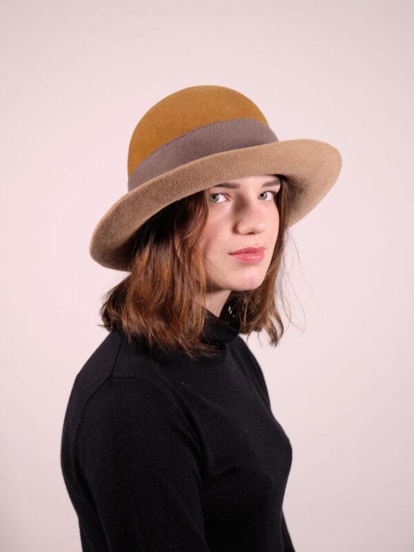 handgearbeiteter Hut aus haarfilz camel / taupe / senf