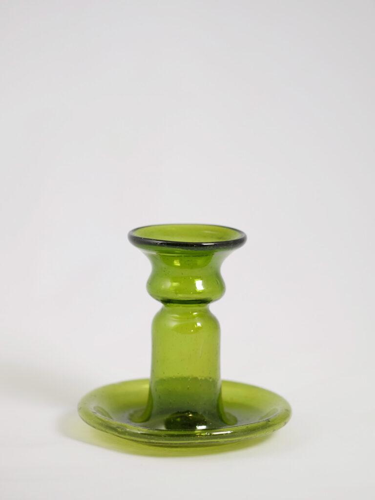 mundgeblasener kleiner Kerzenhalter aus recyceltem Glas, grün