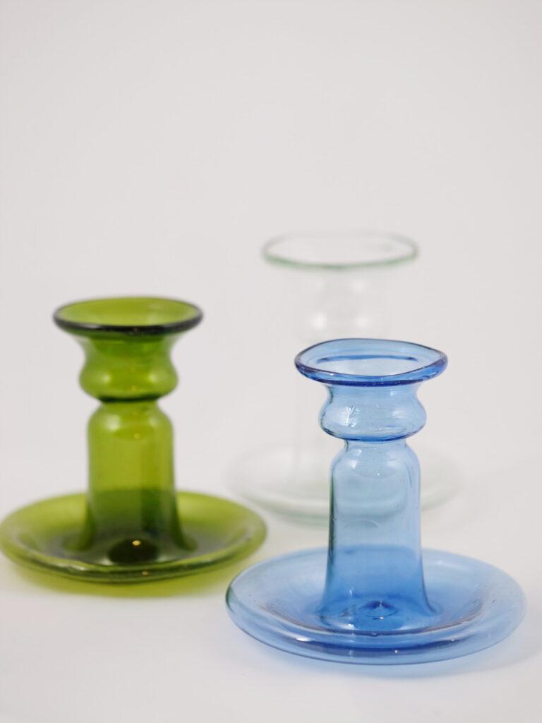 kleiner Kerzenständer aus mundgeblasenem Glas
