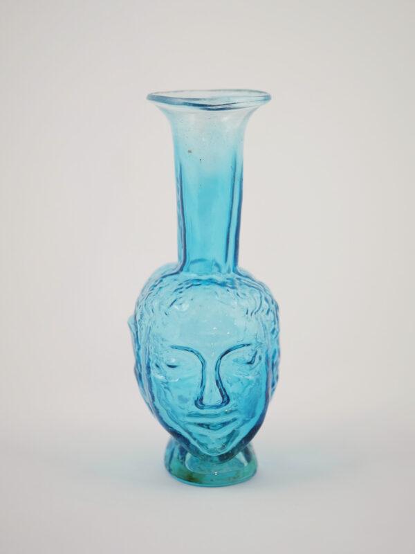 kleine mundgeblasene Vase aus recyceltem Glas mit Kopfform, türkis