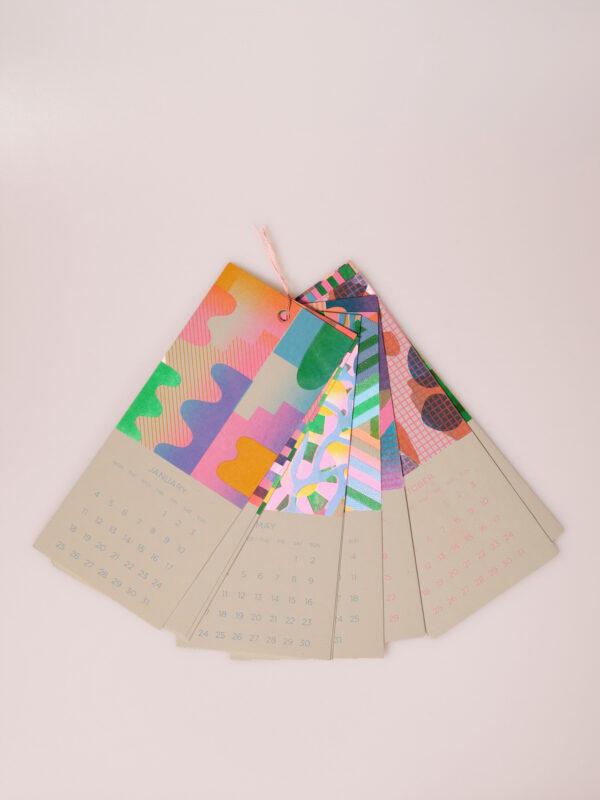 Kleiner farbenfroher Risographiekalender in limitierter Auflage.