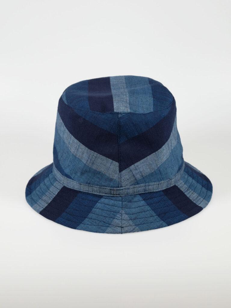 leichter Bucket Haut aus japanischer Aizu Baumwolle blaue breite Streifen Abbildung von hinten